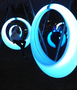 541a4268c07a80340e000022_get-swinging-in-boston-on-these-glowing-led-hoops_horner_03